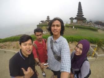 Ricko, Richel, Made, dan Zhafira di Bedugul, Bali